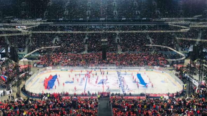 71 tisíc fanoušků! Rusové si užili utkání venku, v Petrohradě zničili Finy
