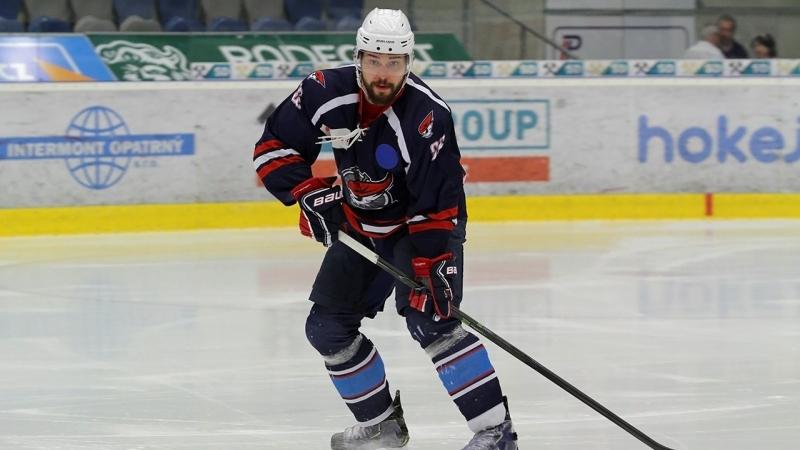 Pirát Jank o touze hrát NHL, tlaku v Hradci či monoklu na obličeji