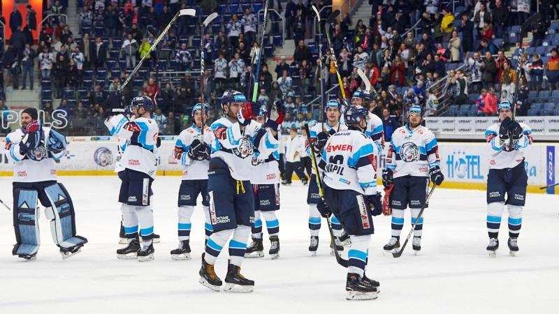 Hokej v číslech: Existuje skutečně výhoda domácího ledu?