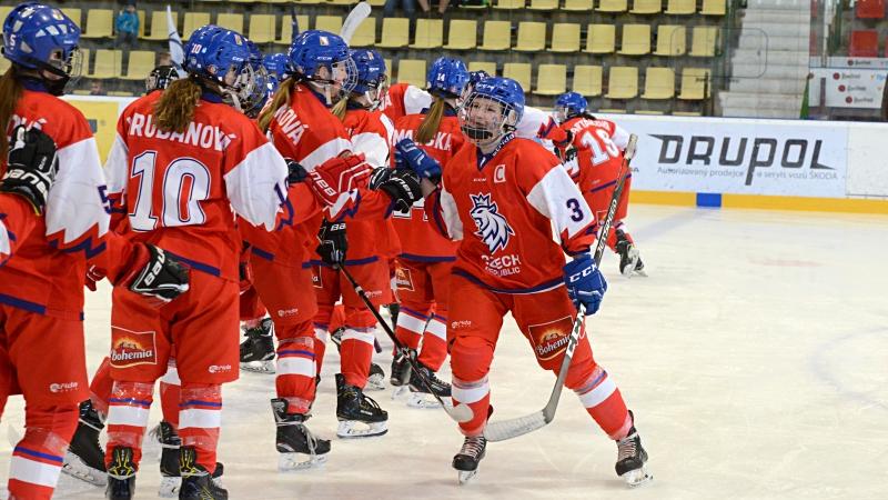 ŽIVĚ na HokejkaTV: Evropský pohár žen do 16 let v Příbrami