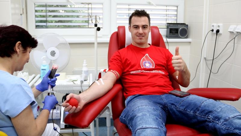 Třebíčští hráči darovali krev. Trenér Barvíř na chvíli ztratil barvu