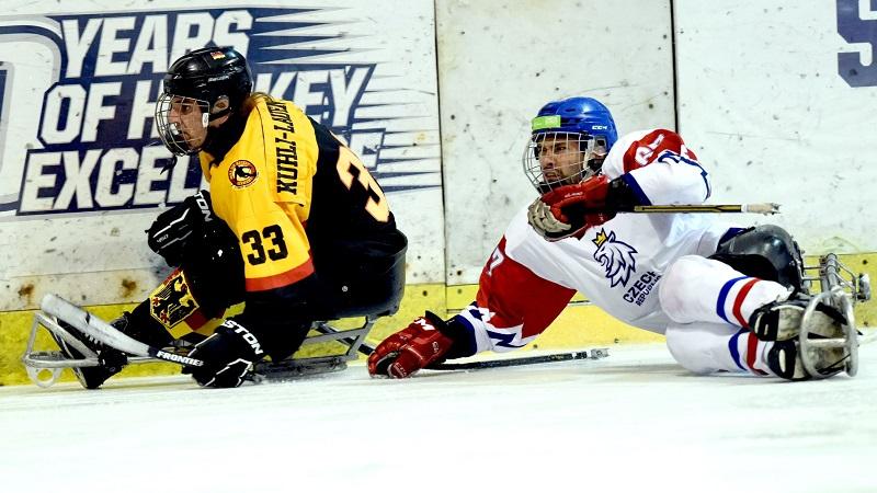 Čeští para hokejisté začali sezonu dvěma výhrami nad Němci. Přínosné, řekl Bříza