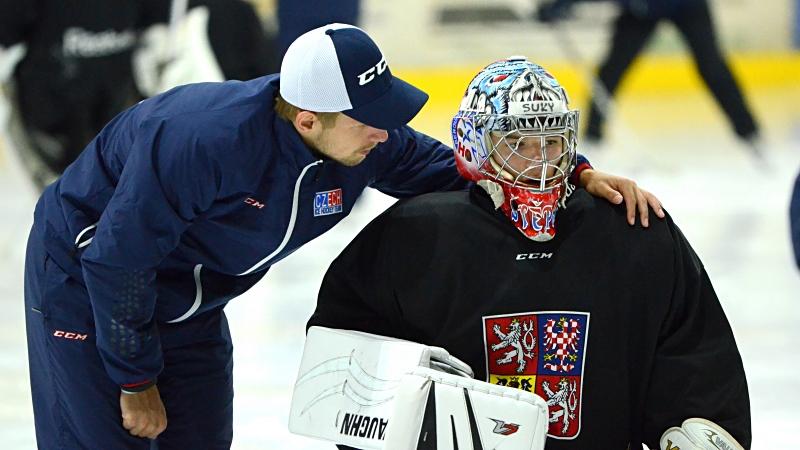 Přijede Vokoun, možná i trenér z NHL. Co letos čeká na mladé gólmany?