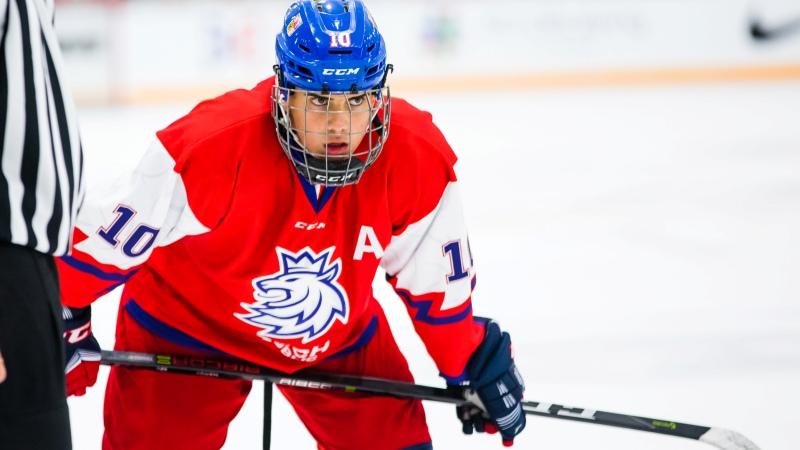 Favoritem draftu NHL 2019 je Hughes, budou z Čechů nejvýš Přikryl a Haš?