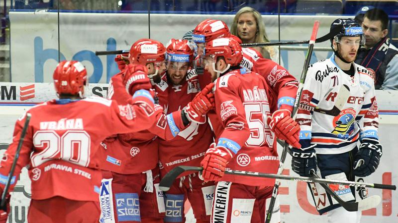 Oceláři vyřídili Vítkovice a sviští do semifinále. Liberec srovnal v Mladé Boleslavi