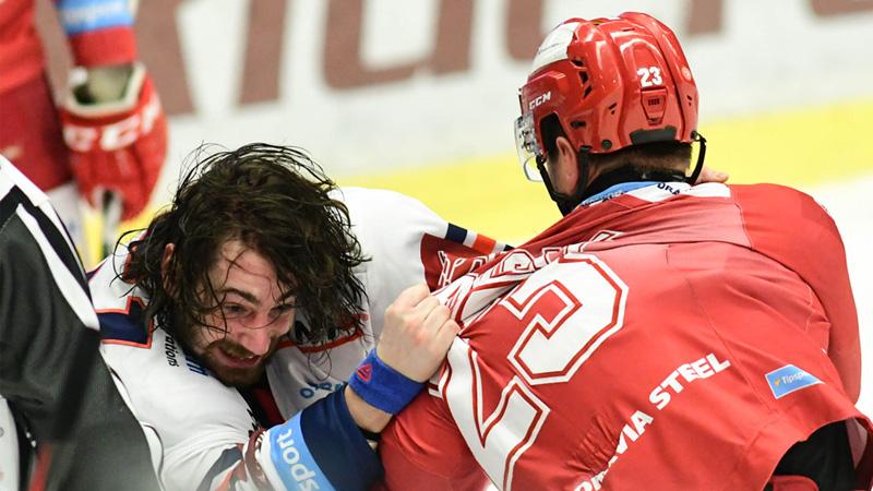 Bitka v derby: Trška si to rozdal s Polanským, po rvačce si podali ruce