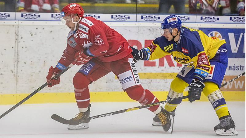 TELH ŽIVĚ: Plzeň vede nad Libercem už 2:0, Oceláři hrají ve Zlíně