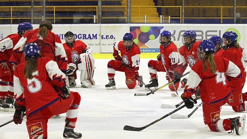 Radost nejmladších hokejistek v Klášterci! Letos jsou zatím stoprocentní