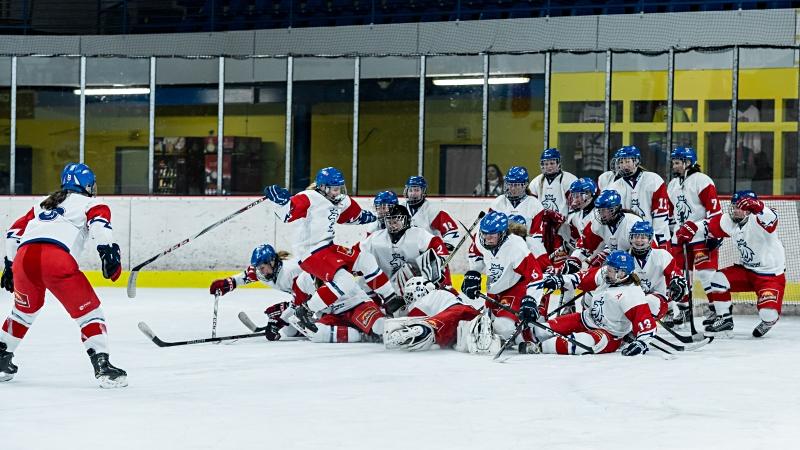 Krásný obrat mladých hokejistek. Ve Zlíně si znovu zahrají o zlato!