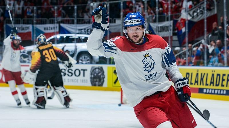 Kovář se upsal Zugu, ale myslí na NHL: Kdyby mě někdo chtěl, tak jdu!