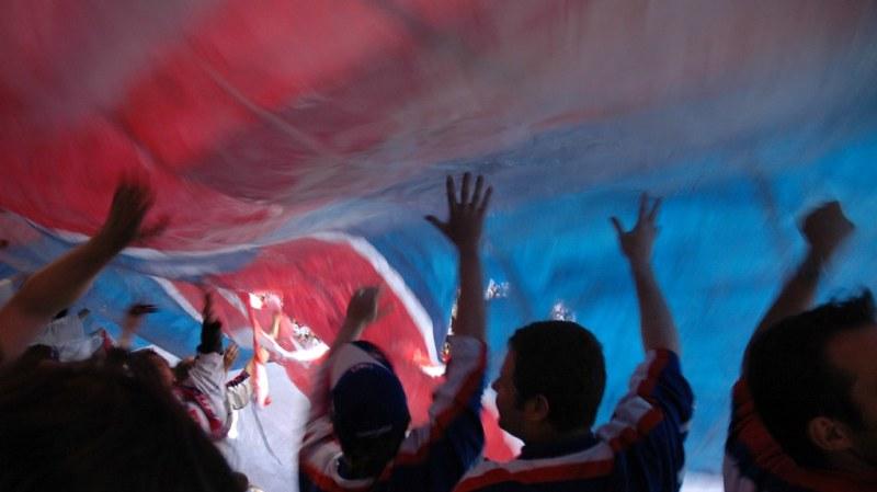 Souboj fanoušků: Kdo má největší vlajku?