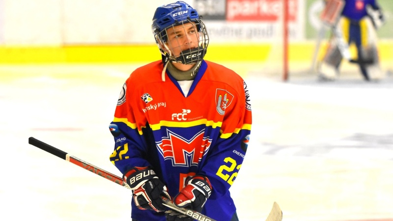 Jsem malé postavy, ale hokej už není o výšce, říká Motorák Petrásek