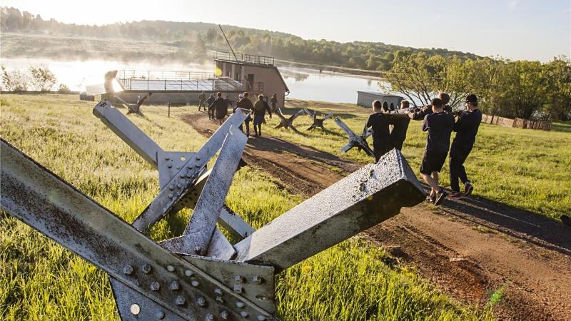 Vojnu na ně! Slovenští gólmani ochutnali armádní výcvik