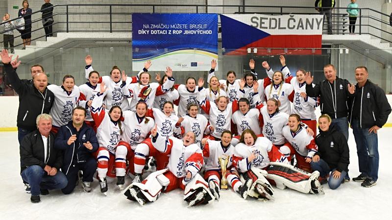 Hokejová nádhera! Juniorky smetly Rusko, v Jihlavě berou stříbro