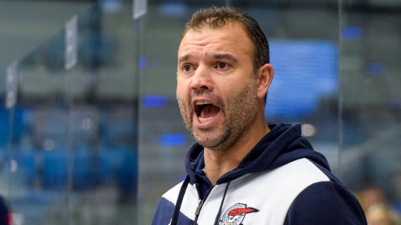 Naštvaný trenér Štrba: Ostuda! Omlouvám se všem lidem