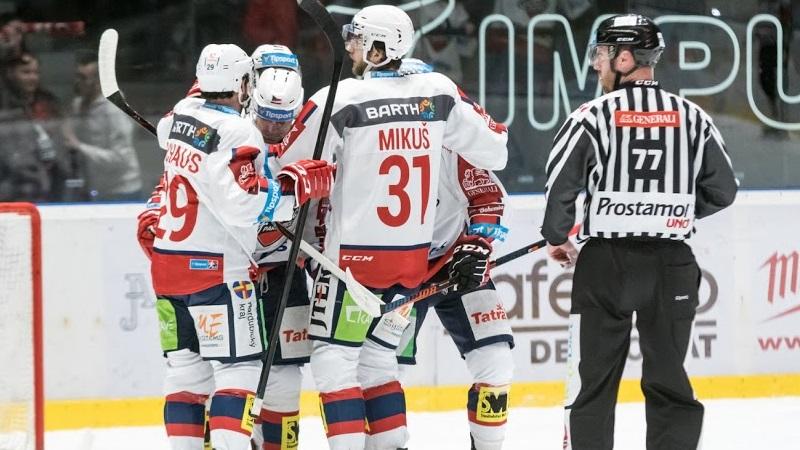 Dynamo slaví, zametlo s Olomoucí! Přestřelka pro Plzeň, Kometa opět prohrála